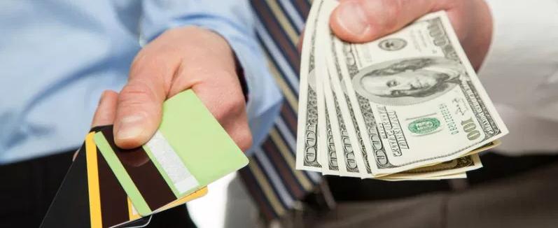 Персональный кредит или кредитная карта?