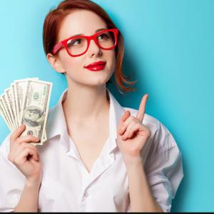 Девушка получила кредит и думает на что потратить деньги
